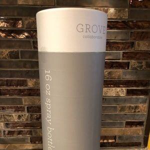 Grove Collaborative lot Spray bottle & tile clean
